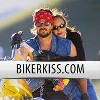 Biker Kiss